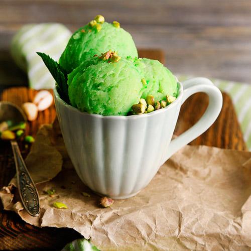 Мороженое с фисташками